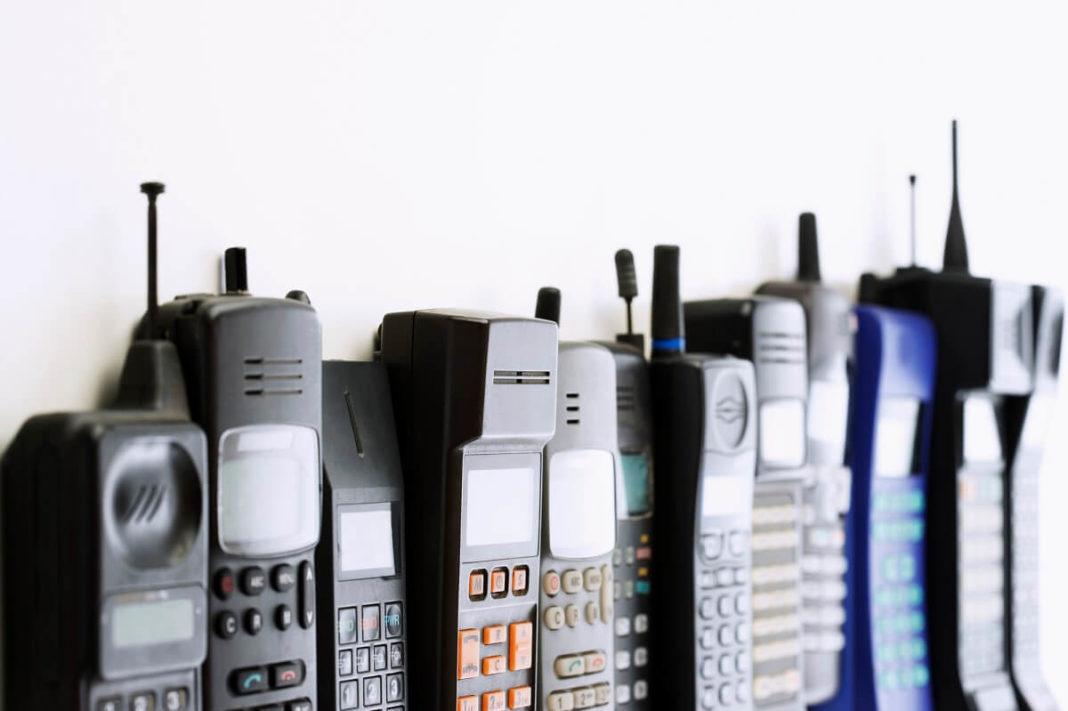 Retro Handys - Die 11 beliebtesten Handys aus den 90er